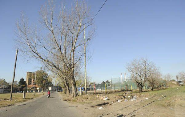 René Enrique Cisneros tenía 63 años y había sido baleado desde una moto mientras custodiaba una canchita de fútbol de zona norte. (Foto: M.Sarlo)