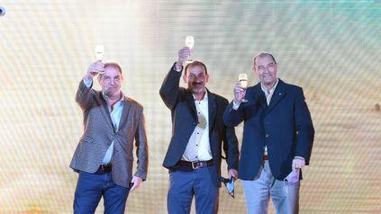 Celebración. El intendente Adrián Maglia, en la presentación oficial.