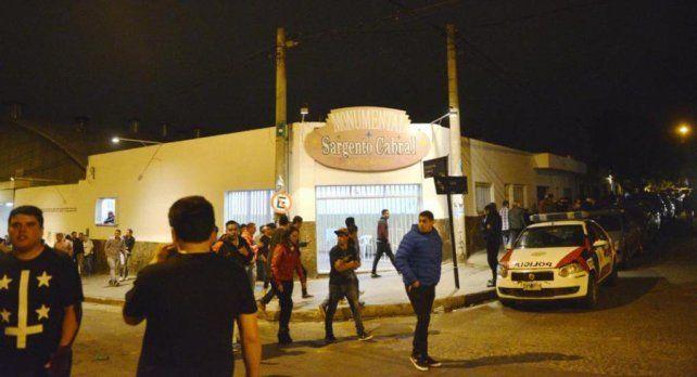 El hombre falleció mientras hacía fila para ingresar al show de la Mona Jiménez.
