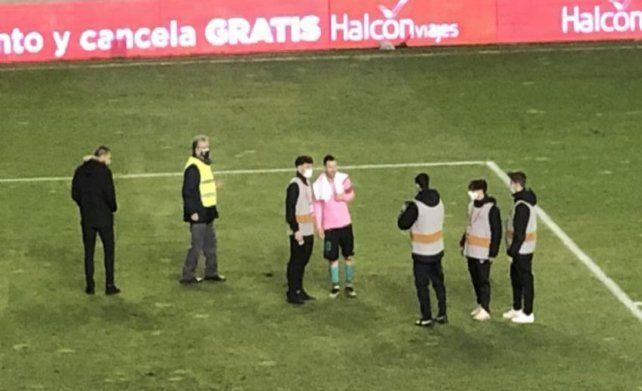 La imagen. Messi se sacó fotos con todos después del encuentro ante Rayo Vallecano.
