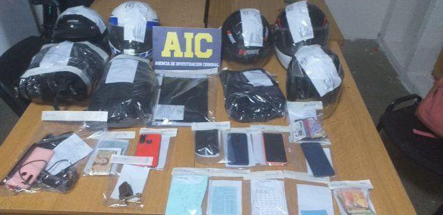 Entre los elementos secuestrados a la banda había libretas con anotaciones sobre los préstamos que otorgaban.