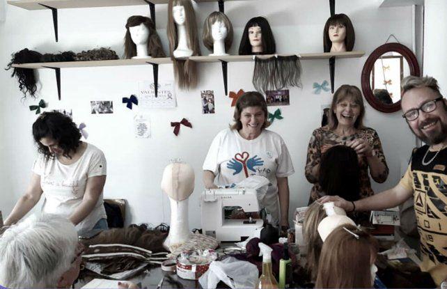 El banco de pelucas de San Lorenzo cuenta con peluqueros, estilistas y maquilladoras.