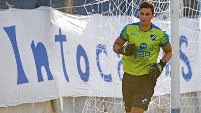 Confirmado. Mateo Quintana estará en el arco del albo ante el complicado Liniers.