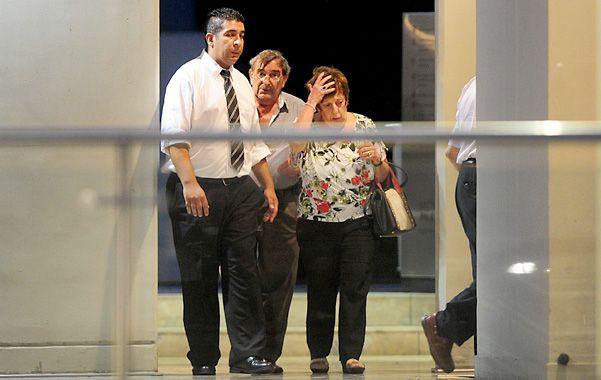 A full. La fiscal Viviana Fein se retira del edificio donde vivía Nisman tras realizar una nueva pesquisa al lugar.