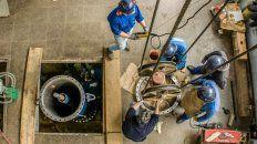 Aguas Santafesinas instalrá la nueva bomba para aumentar la captación en el río Paraná.
