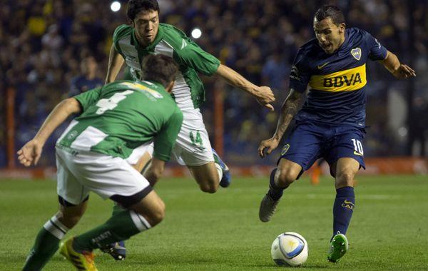 Carlitos tuvo un buen partido y anotó uno de los tantos xeneizes.