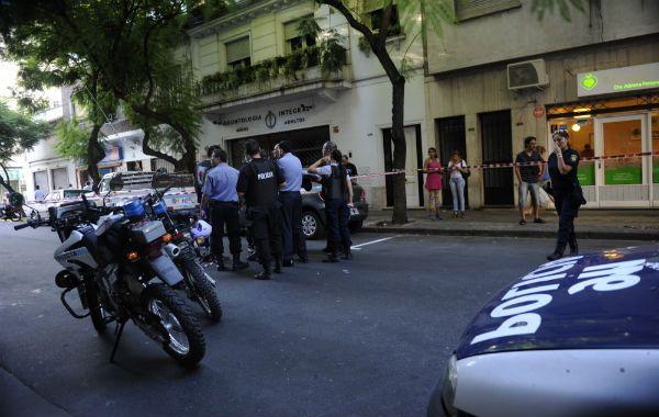 El frente de la clínica donde asesinaron al oficial Carlos Dolce el martes pasado.