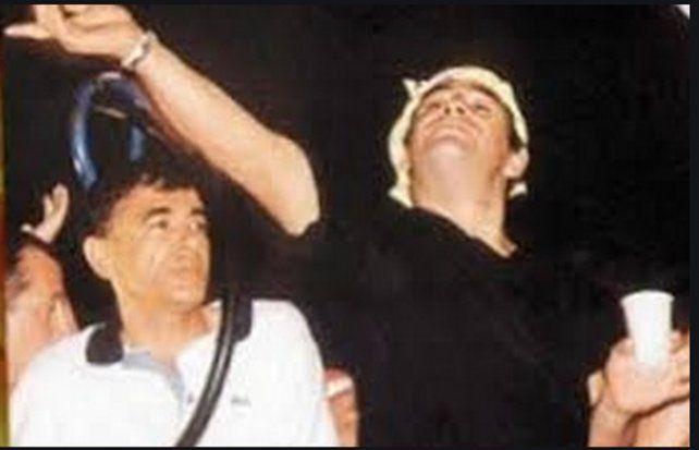 Ferro Viera junto a Maradona.