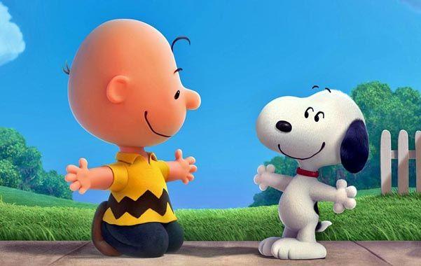 Reeencuentro. Charlie Brown y Snoopy encabezan un grupo de amigos que no sólo comparte el humor.