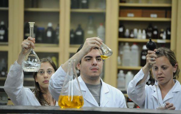 Las universidades comienzan a gestar acuerdos para promover la puesta en valor de los desarrollos científicos tecnológicos de sus propios graduados.