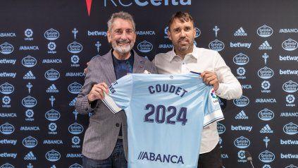 El Chacho Coudet junto al presidente del club.
