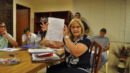 En 2015 Amero protagonizó un escándalo cuando fue acusada de falsificar firmas a sus compañeros de bloque en un proyecto de resolución. Fue sancionada con una suspensión de 60 días.