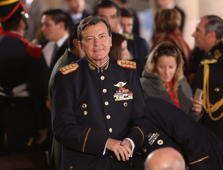 El accionar del militar en dictadura es un dolor de cabeza para el gobierno.