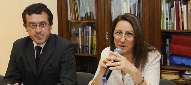 Boasso dijo por Twitter que la intendenta es manejada por su secretario de Gobierno