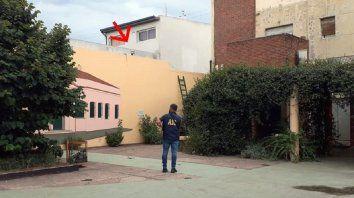 San Lorenzo: hallaron el cuerpo sin vida de un hombre en el techo de un comercio