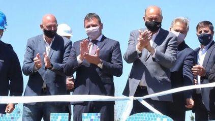 El intendente Raimundo y el gobernador Perotti, en un momento muy esperado por los sanlorencinos.