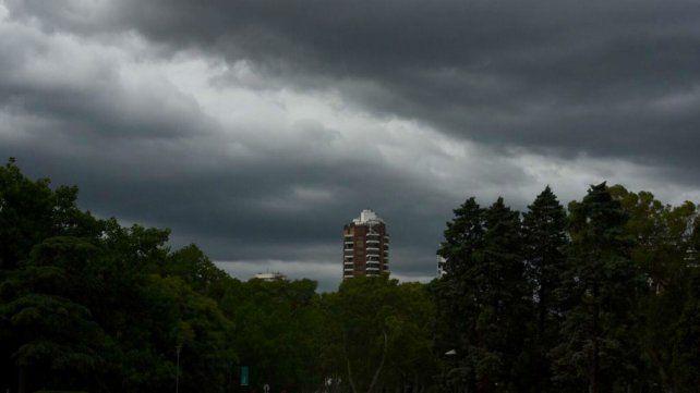 Este sábado a la mañana el cielo estaba cubierto y por momentos muy oscuro. Presagio de mal tiempo.