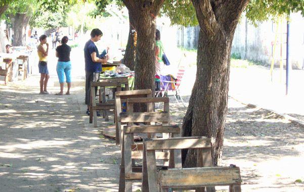 puestos. Los fines de semana y feriados la plaza de Rui Barboza y Bermúdez se convierte en un gran mercado.