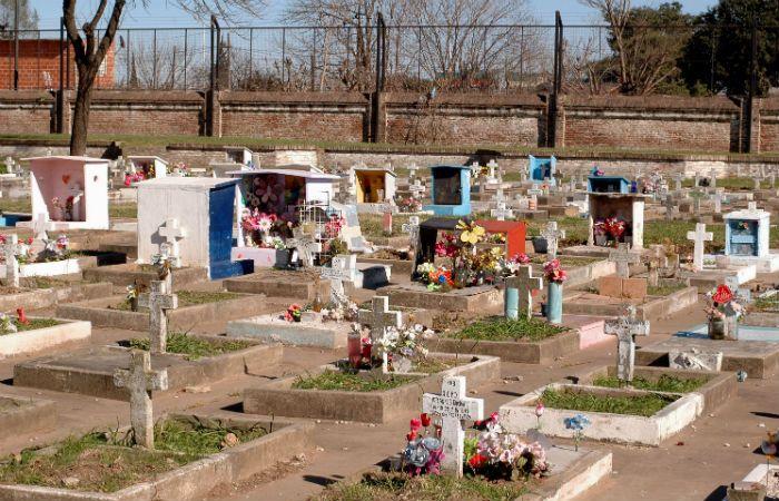 Plazo. Una normativa estipula un lapso de 36 horas para las inhumaciones.