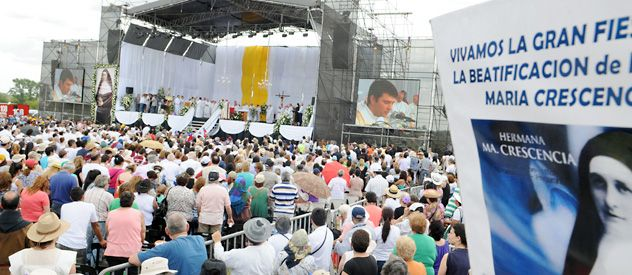 El altar donde ayer al mediodía un enviado del Papa