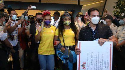 Ecuador recibió a sus medallistas con una verdadera fiesta popular