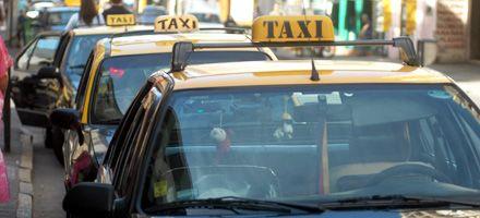 Si los taxistas paran podría haber sanciones, aunque Lifschitz no cree que se llegue a eso