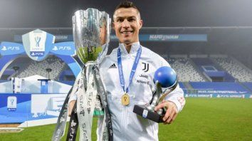 Cristiano Ronaldo, con su gol de hoy, totaliza 760 goles oficiales en su carrera deportiva, una cifra que le convierte en el anotador más prolífico de toda la historia del fútbol.