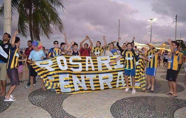 Los hinchas de Central en Río de Janeiro subieron su foto a Twitter.