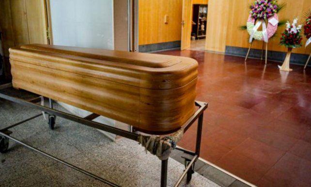 Una funeraria entregó un ataúd a la familia, pero sin el muerto