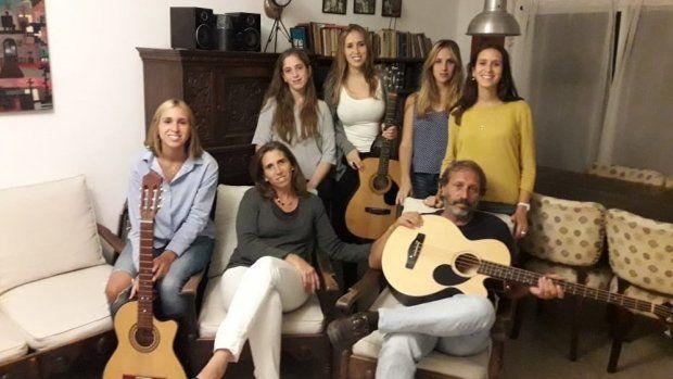 Música en el Jockey con Los Vila Ortiz