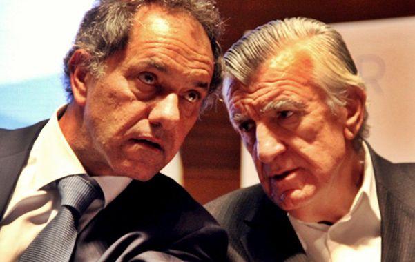 """Preocupados.  Scioli y Gioja pregonaron """"una unidad que no sea uniformidad"""" para marchar hacia """"el mismo lado""""."""