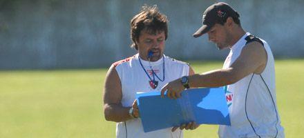 Canallas y leprosos ajustaron detalles para el debut en el Clausura