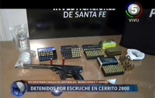 Recuperan una computadora robada y secuestran armas y balas de varios calibres
