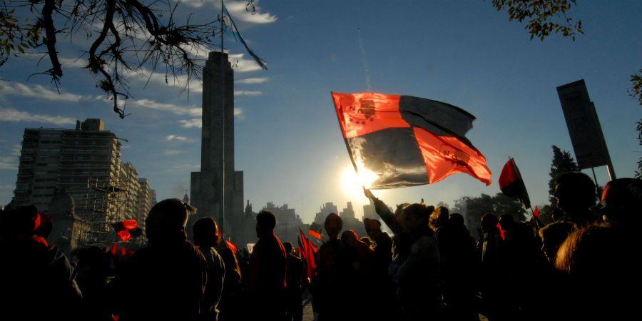 Los hinchas se agolparon en las inmediaciones de Paraguay y Pellegrini