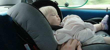 De viaje: Niños seguros en el automóvil