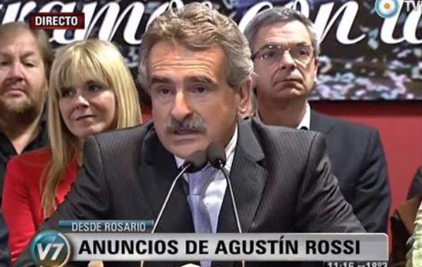 Agustín Rossi anunció que se bajó de la carrera presidencial.