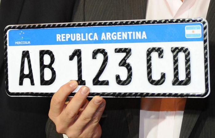 Llas nuevas patentes tendrán una combinación de cuatro letras y tres números.