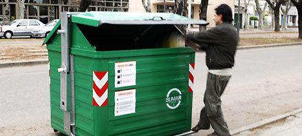 Ya instalaron unos 360 contenedores metálicos de residuos en las avenidas