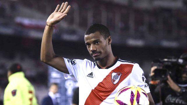 Ordenan detener en Paraguay al jugador de River Nicolás de la Cruz