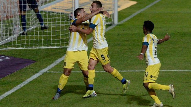 El gol de Vecchio hizo estallar de alegría al Kily, ya en la platea.