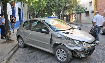 Compró un auto y hoy se iba de vacaciones pero se lo robaron y chocaron
