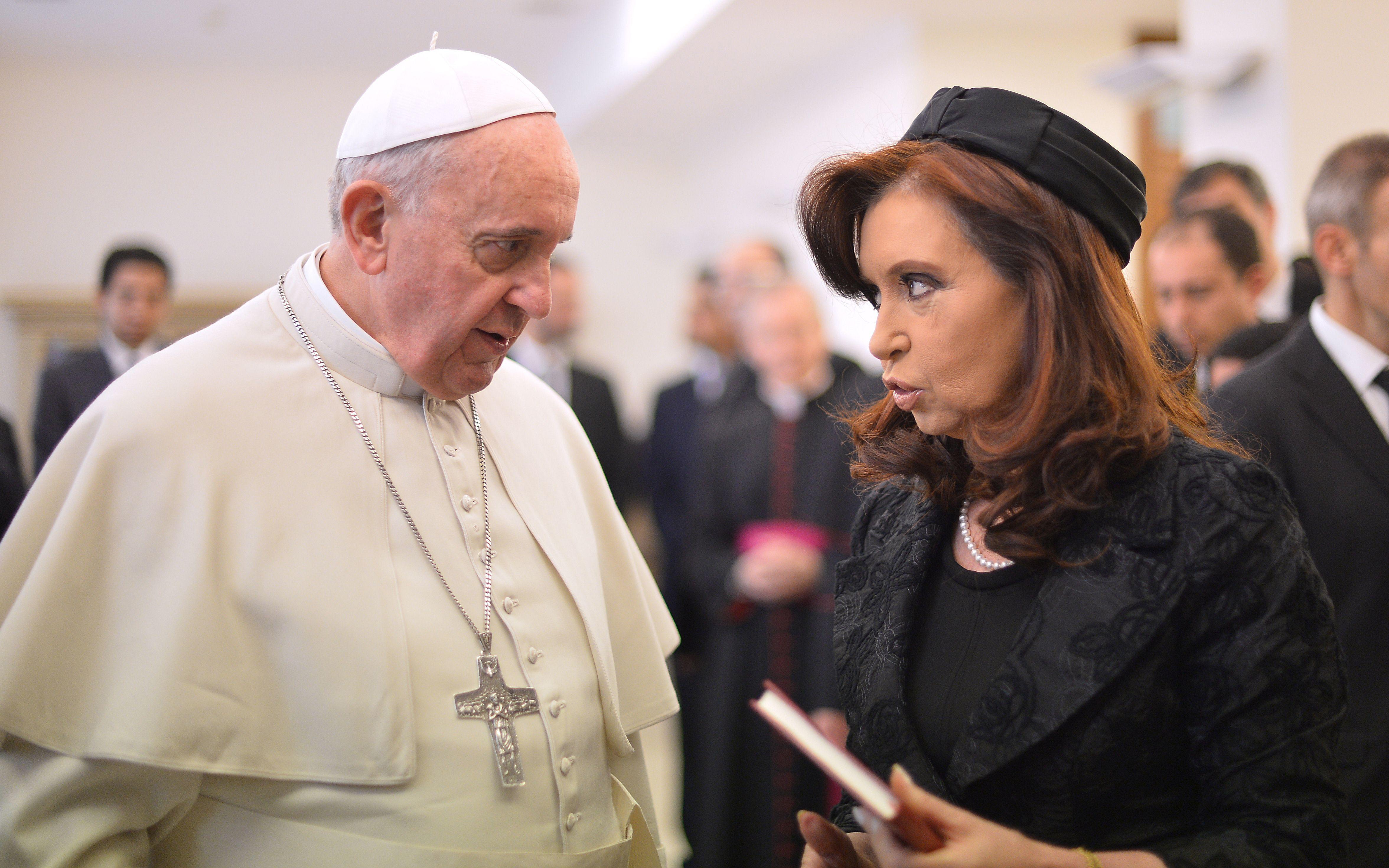Francisco y Cristina se encontraron en El Vaticano el 17 de marzo pasado. (Foto de archivo).