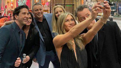 Los fans de Friends celebraron la reunión de la exitosa sitcom estadounidense.