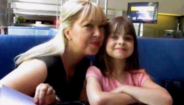 Juntas. Lisa se enteró de la muerte de su hijita Saffie tras estar en coma desde el momento del ataque.