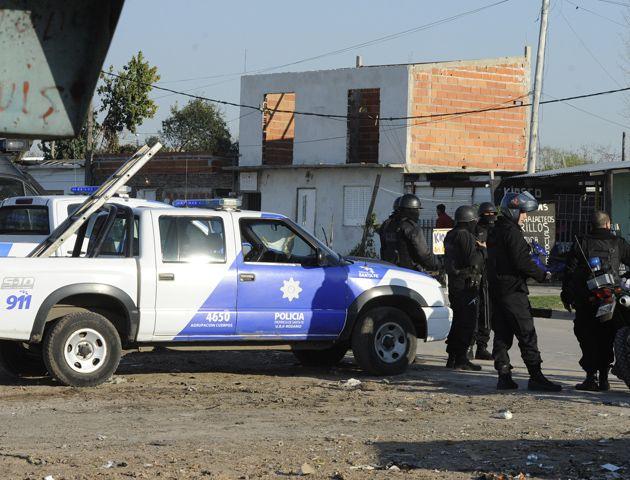 La banda traficaba drogas desde Rosario y la vendía en quioscos de San Nicolás.