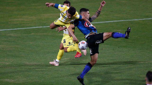 Central empató en Chile con Huachipato jugando con uno menos.