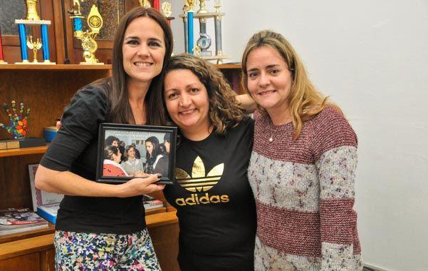 Labor ejemplar. Anita Martínez visitó la nueva sede del Círculo de Sordos.