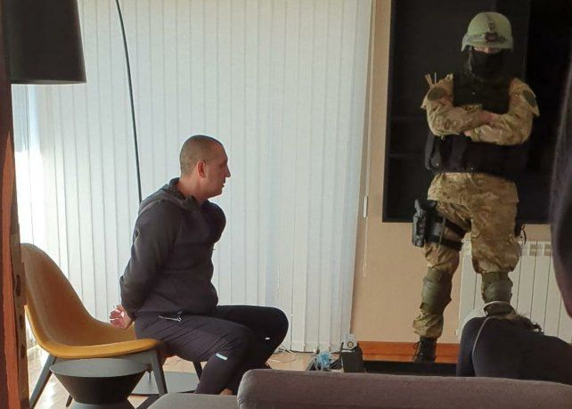 Detuvieron al jefe de la barra brava de Central, Pillín Bracamonte, y allanaron la casa de un representante de futbolistas