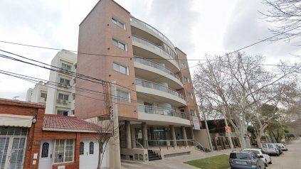 El complejo edilicio donde se llevó a cabo la fiesta clandestina en Granadero Baigorria.