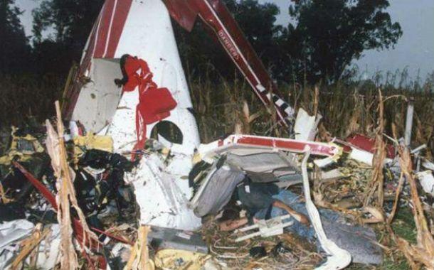 El helicóptero se precipitó en un campo de maíz a la altura de Ramallo.